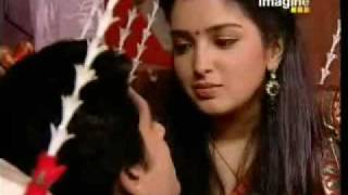 Suman Brings Coffee for Karan First Day After Marraige