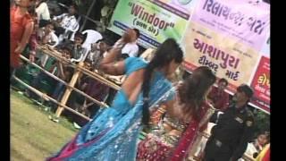 Gujarati Garba Song Navratri Live 2011 - Kalol - Darshna Vyas, Vipul Panchivala - Day-4 Part-22