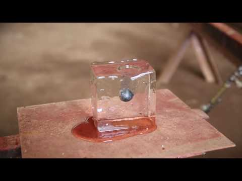 [HD]It's about1600℃ iron ball On Ice. 【高画質】1600℃近くの鉄球を氷に乗せてみたよ!