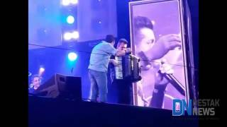 Bêbado, Bruno dá vexame em show
