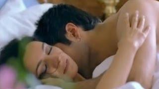 Dil Toh Baccha Hai Ji   Emraan Hashmi And Tisca Chopra S*x Scene