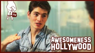 Gregg Sulkin Talks about His First Kiss, Selena Gomez, and his new movie WHITE FROG
