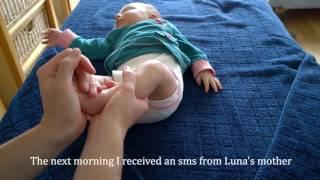 Baby reflexology massage by Floor Tuinstra starring Luna 1,5 month
