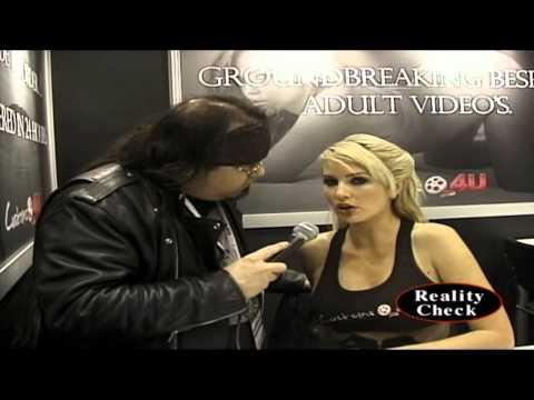 GiGi Allens (the Porn Star) at AVN 2014
