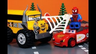 LEGO Miss Fritter vs Lightning McQueen Cars 3 VIDEO GAME Spider-Man Homecoming Arcade