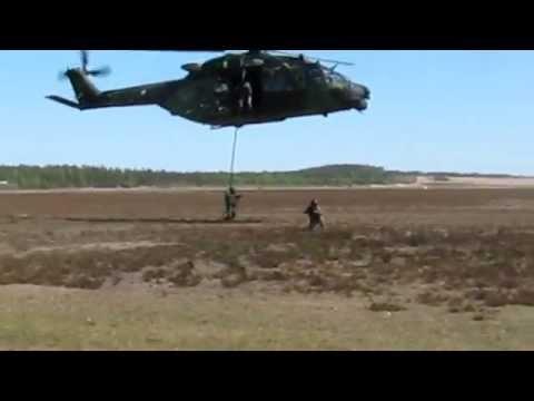 NH90 ja erikoisjääkärit Utti 13.5.2011