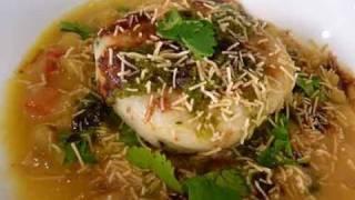 Ragda Patties (Pattice) - Indian Chaat Recipe