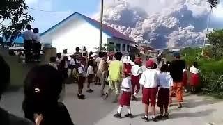 400 Tahun Tertidur, Hari Ini Letusan Gunung Sinabung Terdahsyat Sepanjang 2018