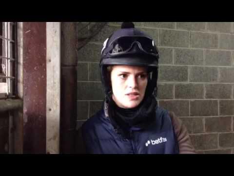 Racing's Inside Track tv met grade 1 winning Jockey Lizzie Kelly 🏇