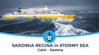 Mare in tempesta, nave traghetto per la Corsica