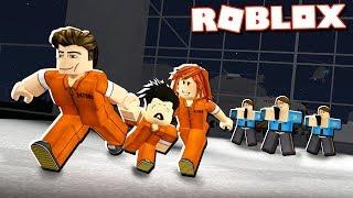 CRIMINAL PARENTS ESCAPE FROM ROBLOX PRISON!