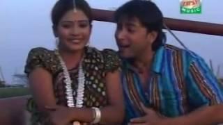 BANGLADESHI FOLK SINGER SUJON RAZA AND MOMTAZ SONG BESI NARE DUITA TAKA CHAI
