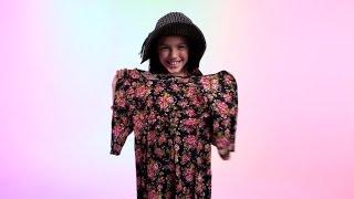 Tweens Judge 90s Fashion Trends