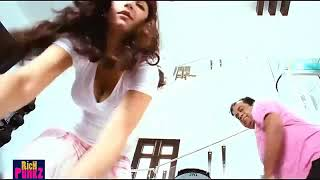 Shruti Hassan bouncing boob ( nipple slip)