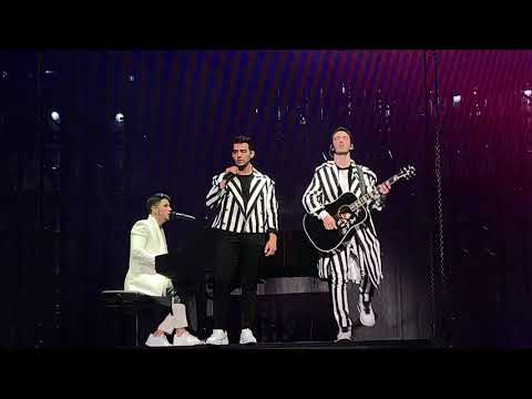 Jonas Brothers Comeback When You Look Me In The Eyes Miami 4K
