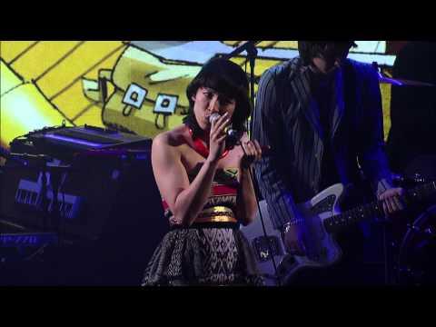 Gorillaz Empire Ants feat. Little Dragon Live on Letterman