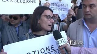 Regione Puglia, dipendenti storici e vincitori Ripam protestano in via Capruzzi