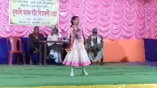 Small girls dance