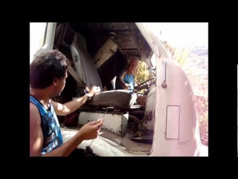 Senhor Neider ligando um motor frio de um Fenemê D11000 1962. Truck Cold Start and Smoke Show