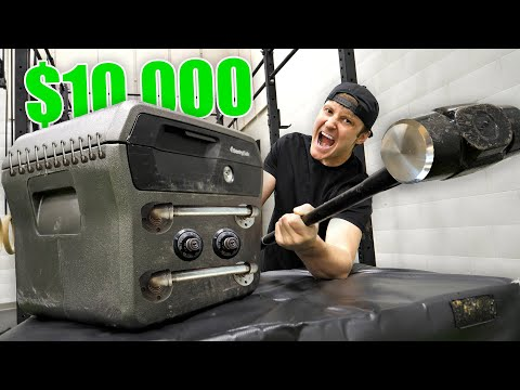 BREAKING INTO 10 000 OF LOST AIRPORT LUGGAGE Buying 10 000 Lost Luggage Mystery Auction