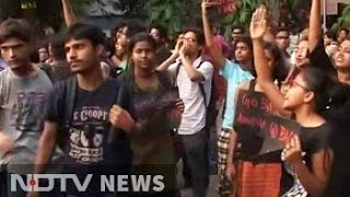 'Buddha In A Traffic Jam' director faces protests at Jadavpur University
