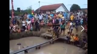 motor rides on small bridge | motorbike race | motorbike fly | flying motorbike