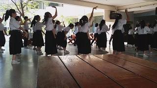 태국여행 태국 대학생들이 춤추며 즐기는 모습 / thai girls dancing at school (freshman) /  Korean Oldguy