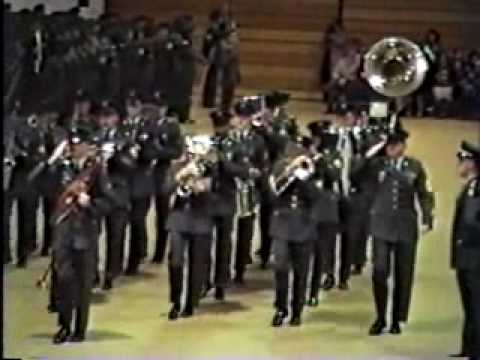 watch United States Army Band at Ft.Dix basic training graduation.