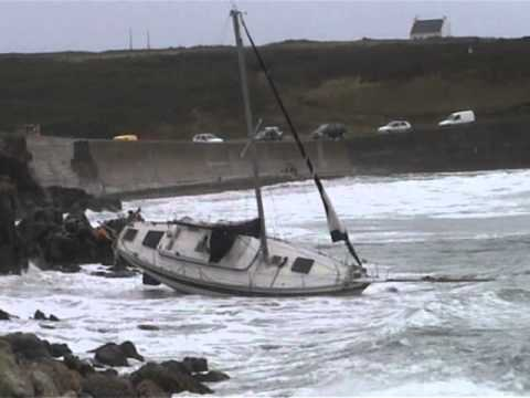 Ouessant Sauvetage voilier ND de la Moderne .wmv