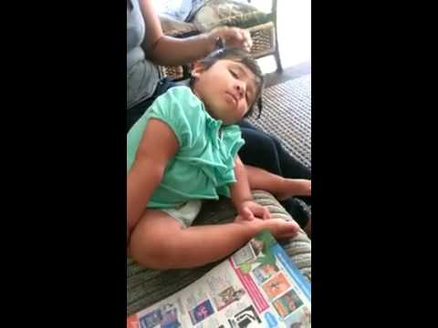 Funny sleeping sister jajajaja