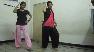 Awesome dance performance by Telugu girl || College Girls Dancing in Hostel