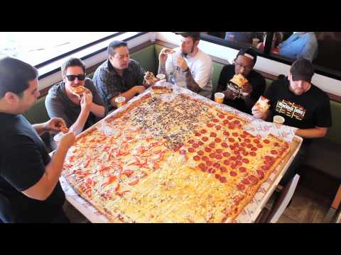 Xxx Mp4 Competitive Eaters Versus Wreckless Eaters In Big Mama S Papa S Pizzeria S 54 Pizza Challenge 3gp Sex