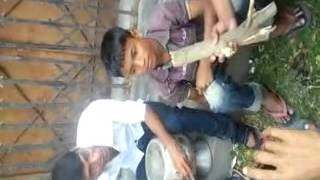 Bangla song .Must watch this video.the common little boy from Bangladesh.Awesome voice