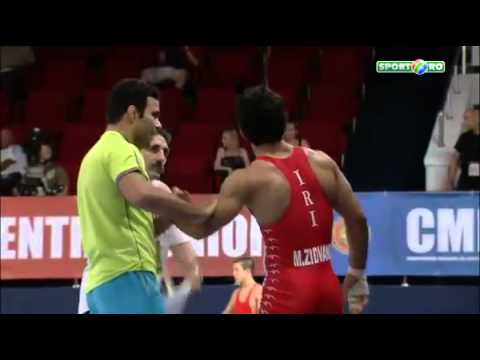 Golpe esquilo voador na Luta Greco Romana Smasher flying squirrel in Greco Roman wrestling