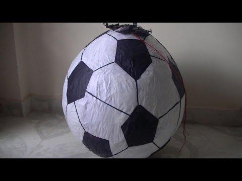 Como hacer una Piñata Balón de Futbol .wmv
