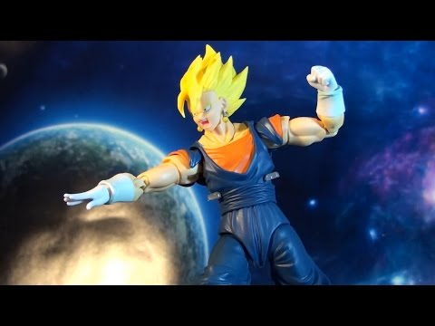 R374 Bandai S.H. Figuarts Dragon Ball Z Vegetto Action Figure Review