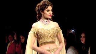 HOT Shamita Shetty Ramp Walk At IIJW Fashion Show 2017