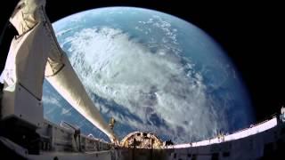 سورة مريم كاملة - القارئ أحمد العبيد .. تلاوة رائعة | مناظر من الفضاء | فيديو عالي الجودة HD |
