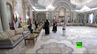 نقل مباشر من مركز الملك عبد العزيز للمؤتمرات قبيل انطلاق القمة الإسلامية-الأمريكية