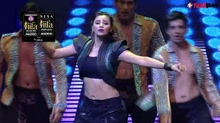 IIFA Awards 2016: Daisy Shah's dazzling performance, watch video | Filmibeat