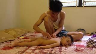 Masaage cho trẻ hiệu quả nhất