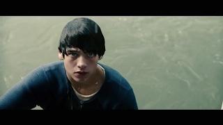 Clark Hent salva Ônibus Escolar - O Homem de Aço (2013) DUBLADO HD