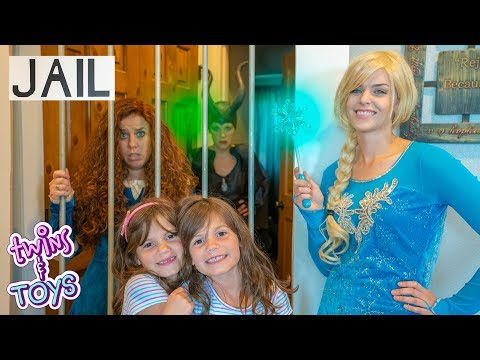 Xxx Mp4 Frozen Elsa Sends Princess Merida TO JAIL Maleficent Learns About Forgiveness 3gp Sex