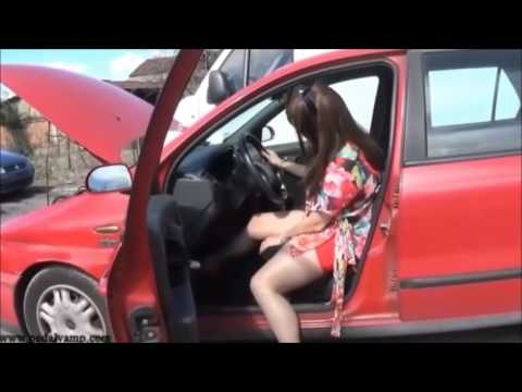 Vicky cranking and revving a Fiat Marea Weekend ELX 16V | Trailer Pedal Pumping