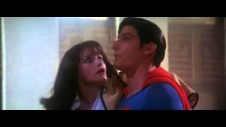 Superman Saves Lois - Superman the Movie (1978)