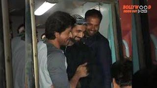 Shah Rukh Khan meets Irrfan and Yusuf Pathan at Vadodara station | Bollywood Inside Out
