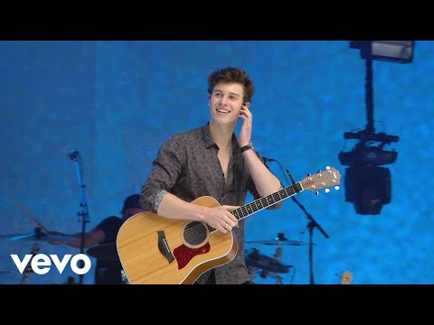 Shawn Mendes - There's Nothing Holdin' Me Back (Live At Capitals Summertime Ball)