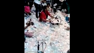 kirtidan gadhvi money shower