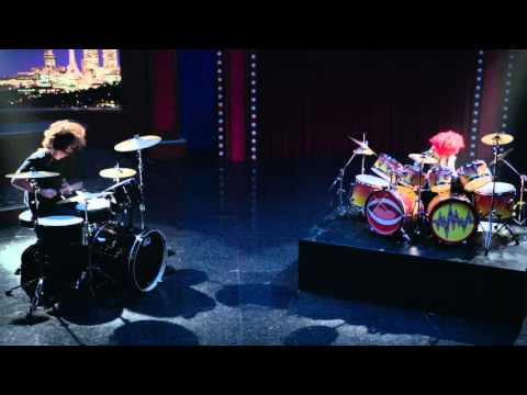 Dave Grohl and Animal Drum Battle The Muppets