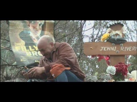Familiares de Jenni Rivera visitan la montaña donde perdió la vida la cantante